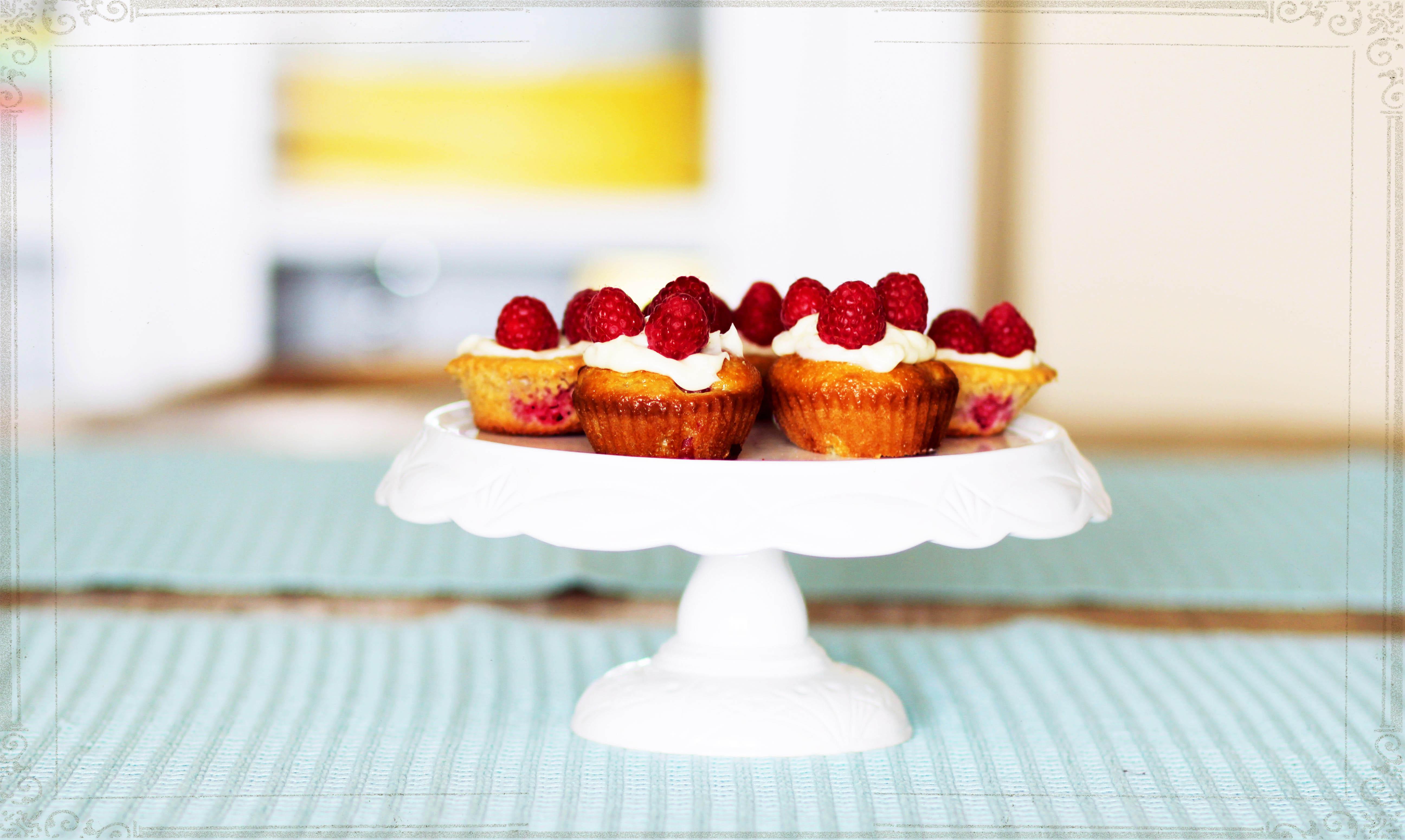 Cupcakes by {cbda}