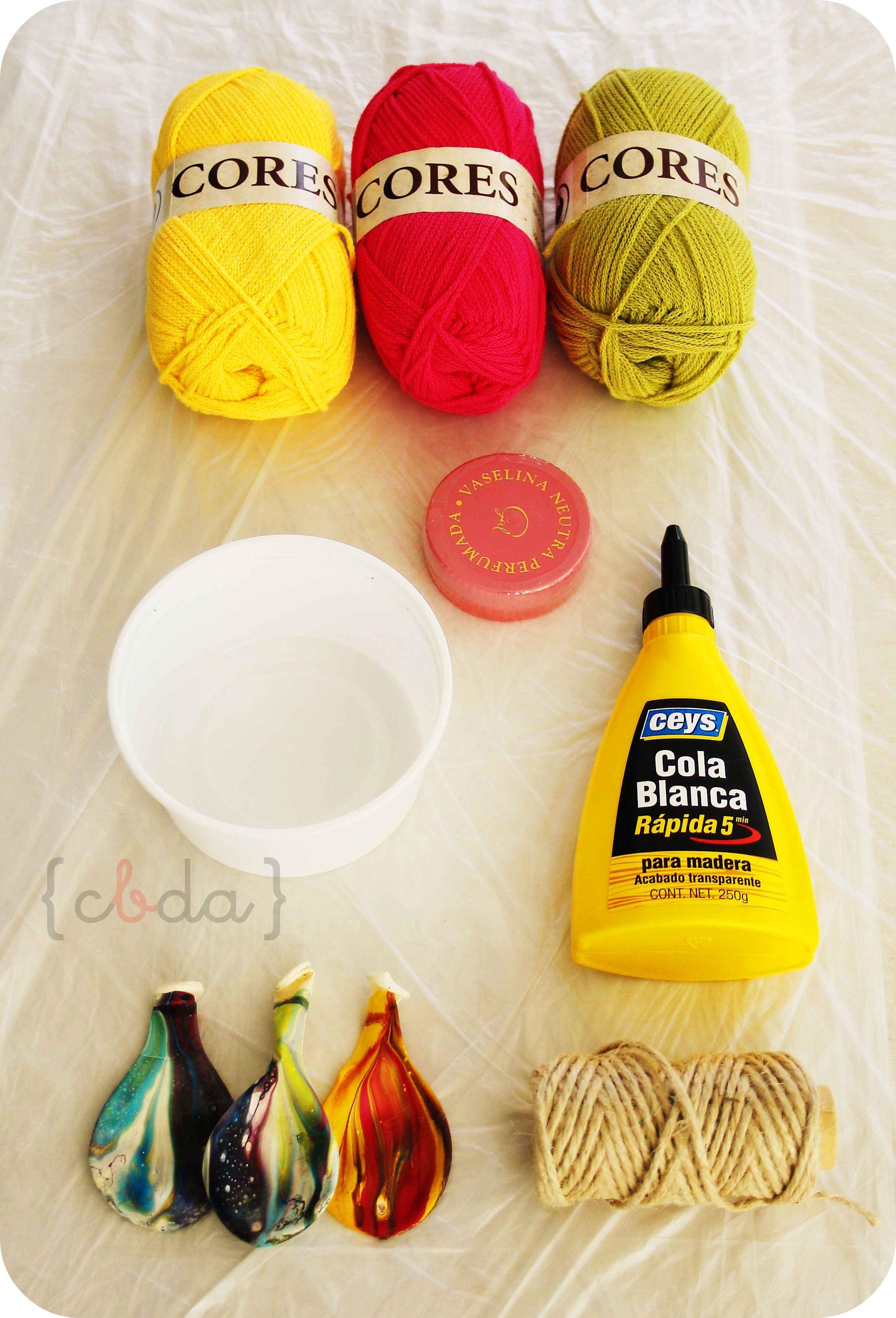 Globos de lana decorativos
