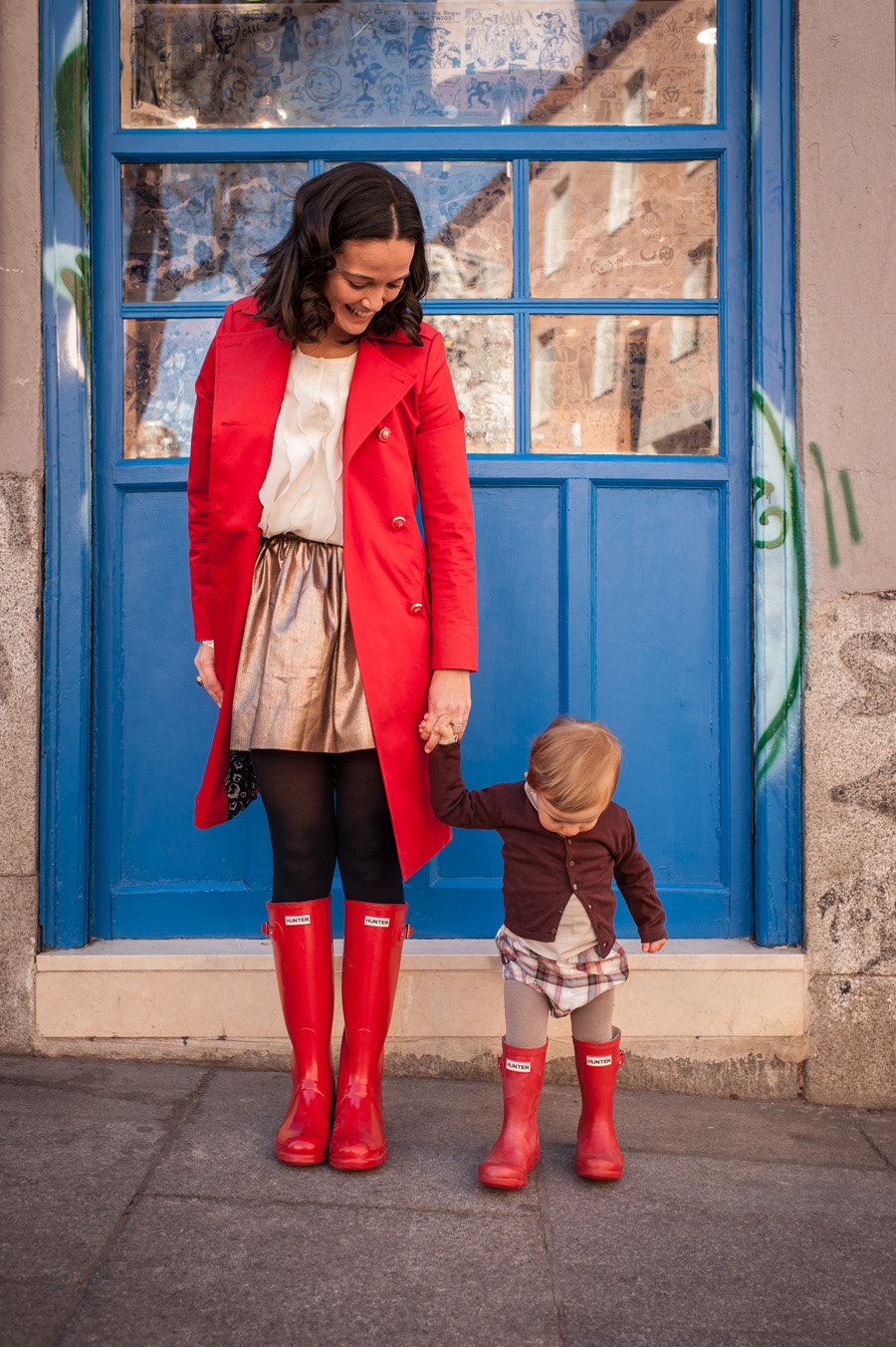 Martina, Mamá y las red Hunter boots